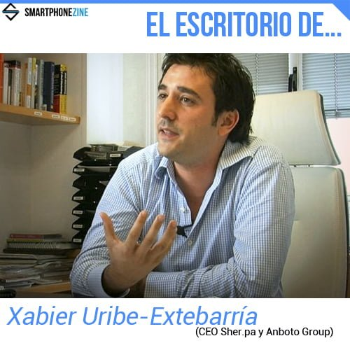 el escritorio de Xabier Uribe-Etxebarria